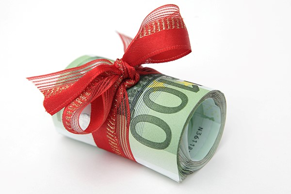 « Love money», a loan from a family member which is to be repaid, is another option to help you obtain a mortgage.