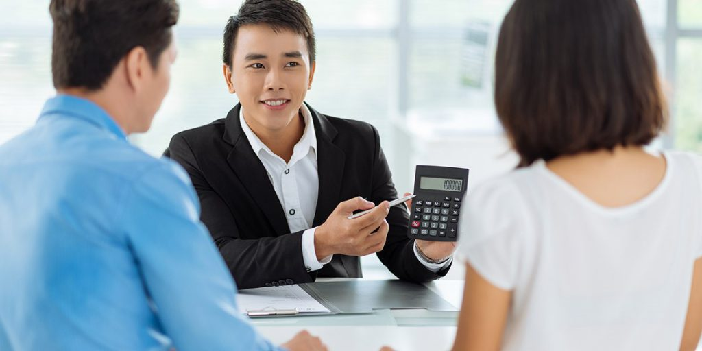 Compare and choose a mortgage broker who will be proactive in obtaining the best rate for you.
